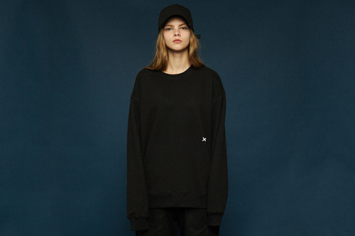 [Sold out] Signature sweatshirt (black)