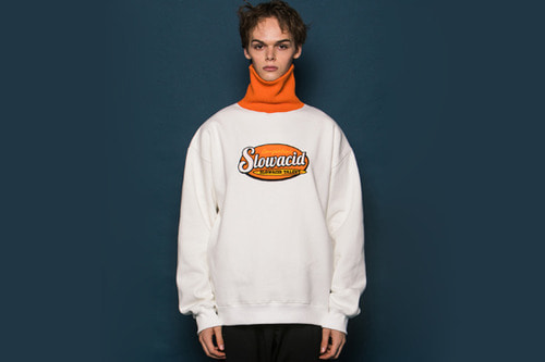 ORANGE Turtleneck Sweatshirt (WHITE)