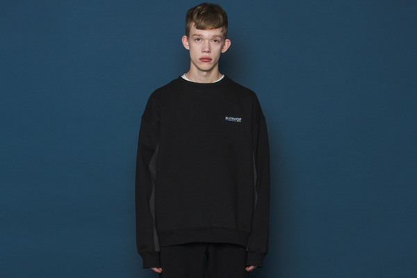 Two-tone Sleeve Sweatshirt (BLACK)