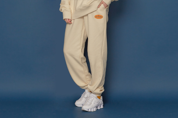 [Sold out]Leather Patch Sweatpants (IVORY)